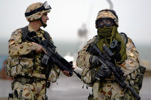 Australian troops in Iraq in August 2014. No photograph or press report of Australian troops in Ukraine at the time has appeared.