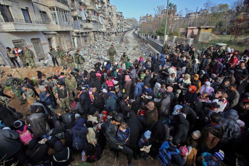 civilians-aleppo-flee.jpg