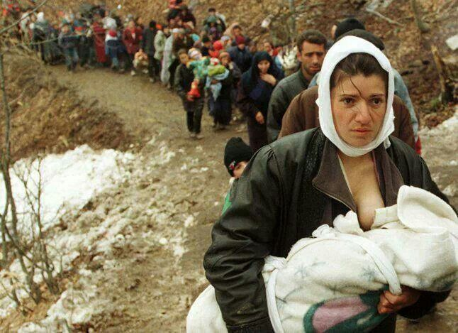 refugees fleeing Kosovo for the Macedonian border in 1999