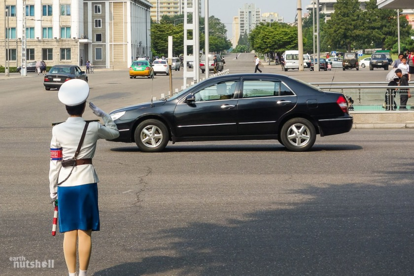 5-pyongyang-traffic-lady.jpg