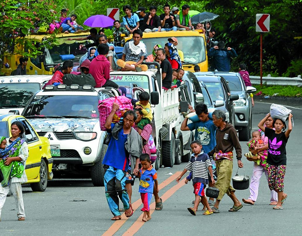 0527marawi-flee1viaoptima0527marawi-flee1.jpg