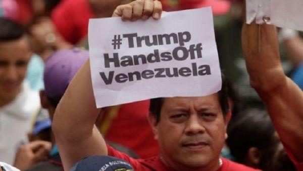 США готовят войну с Венесуэлой.